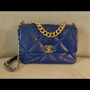 Chanel 19 Large Flap Bag AS116B01901N5336